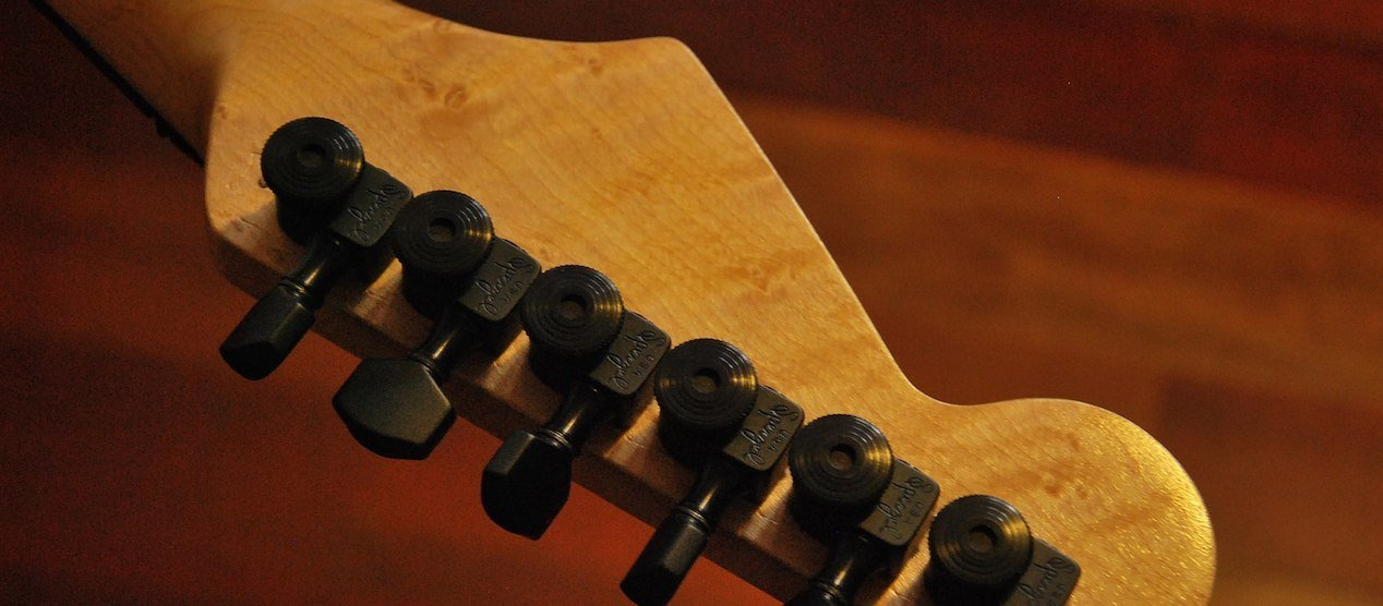 Are Locking Tuners Worth It? Advantages, Trade-Offs & Changing Strings
